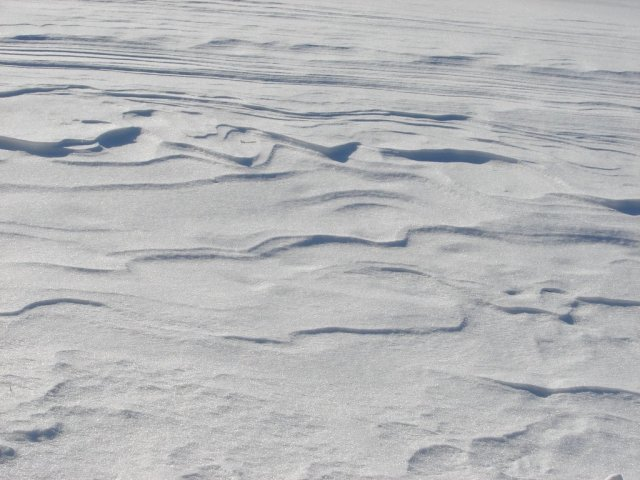 "Snow ""waves"" Source: fantasystock"