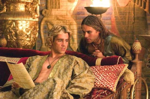Alexander (Farrell) and Hephaestion (Jared Leto)